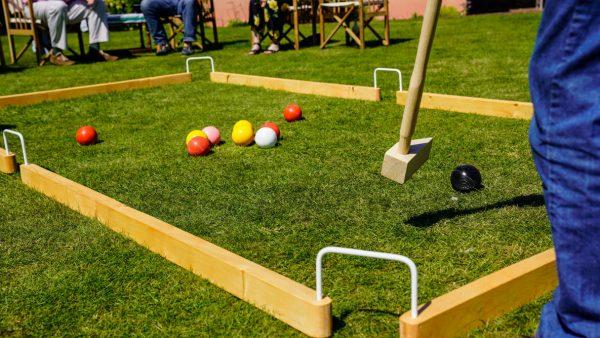 Lawn Games - Playing Gardoolet